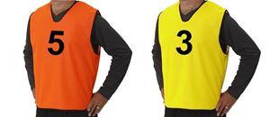 15 Genummerde Trainingshesjes Mix Oranje En Geel